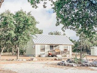 Diamond W Ranch-Quaint Cabin in the woods!