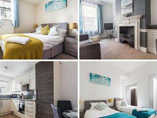 Spacious Luxurious Newcastle City Apt Sleeps 6