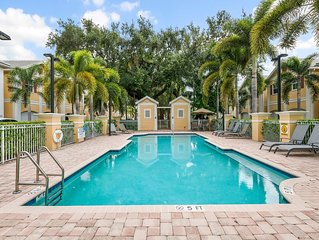 Oak Hammock Villa - Centrally located townhome near Downtown Fort Lauderdale and
