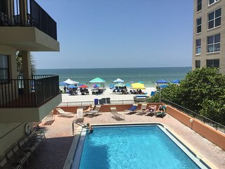 Ocean & Pool Front , Great Reviews! SEE RATES FOR DECEMBER MID-WEEK DISCOUNTS!
