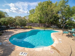 Beautiful Guadalupe Riverside Condo in Downtown New Braunfels