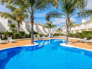 3 Bedroom Luxury Holiday Villa w/ Pool in Boliqueime near Vilamoura, Golf nearby