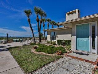 Beachfront 2 Bedroom Condo on Casey Key