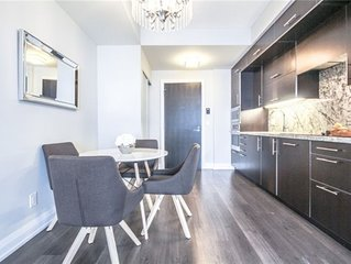 Luxurious penthouse condo ,location/spacious/comfort