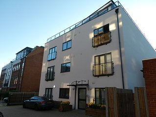 Luxury Apartment in Central Camberley