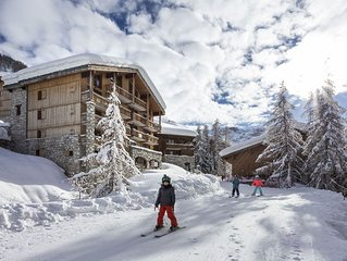 Val d'Isere Ski in/out 3 bedroom luxury apartment slps 6/8. Sauna and hamman.