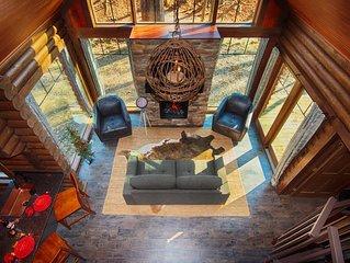 Kayak/Canoes/Mountain Bikes~Sauna/Massage Chair~Hot Tub~Fire Table~Holidays!
