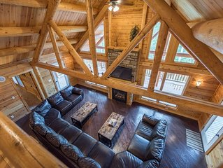 Secluded ~4 miles to Parks ~Hot Tub ~3 Large decks ~ We do Christmas BIG!