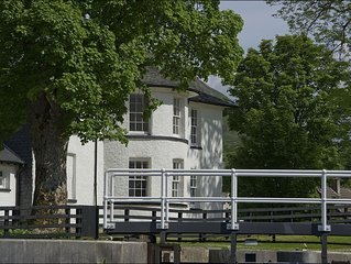 Telford House East -  a scottish canal that sleeps 6 guests  in 2 bedrooms
