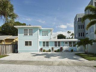 Siesta Key Beach Duplex - Quick walk to #1 Beach and center of Village!