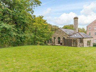 3 bedroom accommodation in Calver, near Bakewell