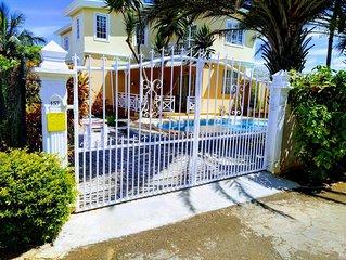 Appartement piscine Dans Villa  a ALBION cote ouest