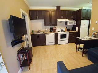 A cozy home in a quiet neighborhood located near the airport with all amenities.
