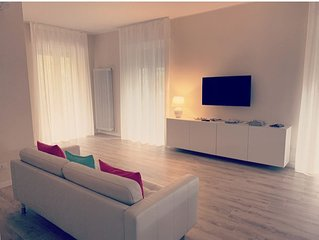 < Elsa > offers rooms with smart TVs and air conditioning.  Parking. Free WiFi.