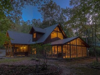 Hooked on Toccoa- River Front | Outdoor Fireplace | Screened Porch | Toccoa Rive