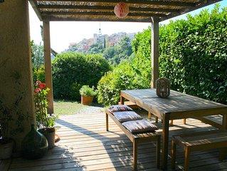 PETITE MAISON DE CHARME 70m2, terrasse, jardin privé, et piscine dans le domaine
