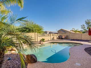 Desert Oasis- Beautiful Goodyear home w/ Pool - Close to Luke AFB