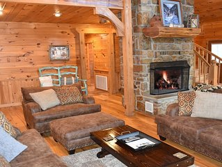 White Oak Lodge - Secluded Mountain Cabin-Hot Tub, Fire Pit, ATV Riding, Pets