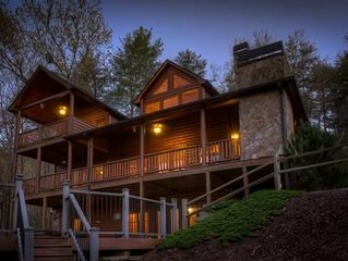 Laurel Valley Lodge- Pet Friendly | Outdoor Fire Pit & Fireplace | Game Room