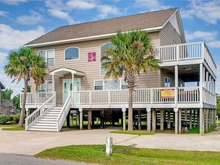 Come Stay & Relax Oceanside in Salvo! Dog-Friendly w/ Hot Tub, Game Room, WiFi