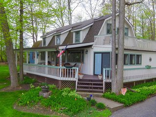Scenic Post and Beam Home Overlooking Canandaigua Lake! Pet Friendly! Sleeps 10