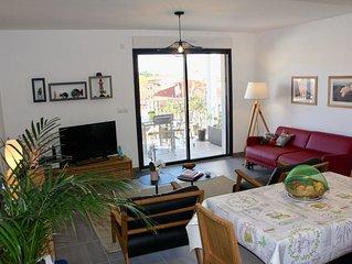 T2 de 2018,52 m2 dans residence de standing, 2 terrasses, pk, wifi, a 2' du Port