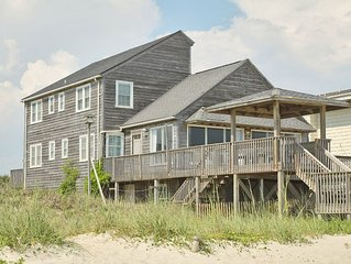 Red And Brown: 5 BR / 3.5 BA home in Oak Island, Sleeps 14