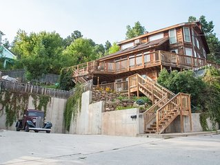 Twin Pines Lodge - 4 Bedroom Vacation Rental in Deadwood, South Dakota