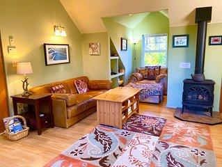 Saratoga Guest Cottage.  Quiet & Tranquil Hideaway, Mnt & Ocean View