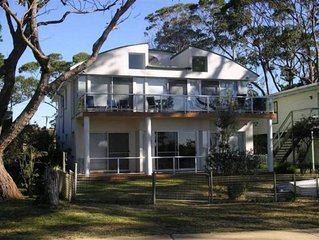 Mana Magic - Beachfront with Great ocean views