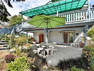 Bright ground level suite in seaside Davis Bay