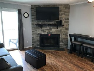 Think. Feel. Cozy. Spend your vacation in this updated 1 bedroom condo!