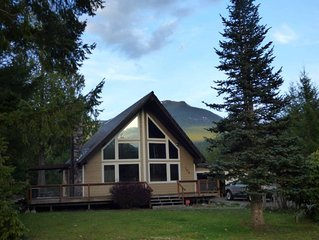 Air conditioning, wifi, cable, sleeps 10, cowlitz river access