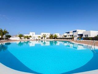 Geräumiges Apartment Casa Nancy mit Bergblick, Pool, WLAN, Garten und Terrasse;