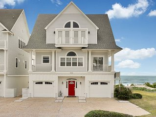 Newly Renovated OCEANFRONT Dream Home with Hot Tub SLEEPS 20