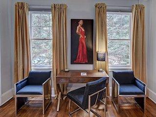 Comfortable art-filled apartment in historic Elizabeth neighborhood-2 miles to U