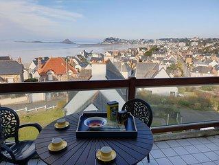 Zentrale Ferienwohnung mit Meerblick und Balkon