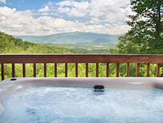 Best Views in All of the Smokies! On 4 Secluded Acres! 4TH NIGHT FREE!