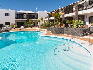 Schones Apartment mit Terrasse, Pool und WLAN; kurzer Spaziergang vom Strand ent