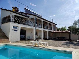 Wunderschones Haus mit Pool und Hof in ruhiger Lage bei Porec