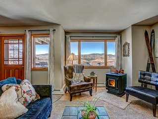 Fort Collins Mountain Living with Breathtaking Views!