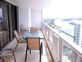 3756 - 3 br condo: bay & city views!