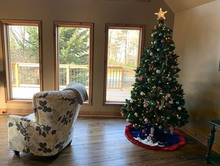 Christmas at Large Stunning Cottage - Beach access to beautiful Lake Huron