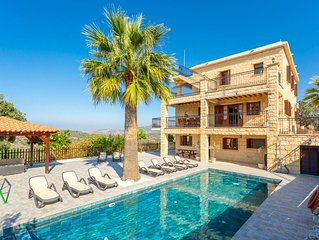 Villa Alexandros Palace: Large Private Pool, A/C, WiFi