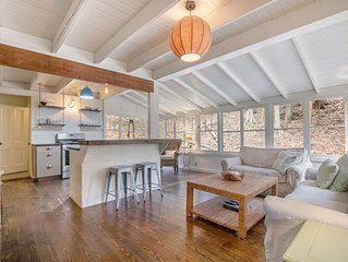Sweet Grand Haven home within walking distance to Lake Michigan access - Sleeps