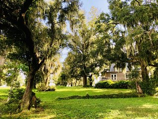 NEW! The Cottage at Crews Lake, Private Estate, ~40mi. from Disney