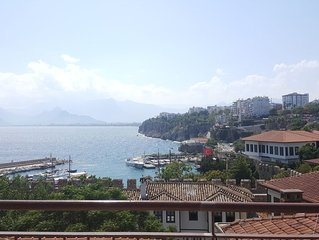 Beautiful sea-view flat in lovely old town