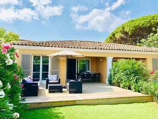 Saint-Tropez Maison avec jardin , 2 chambres 5 couchages, plage 50 m.