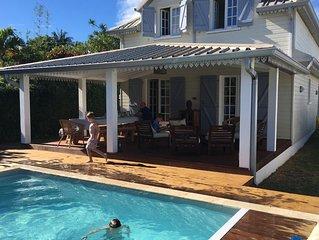 Maison familiale 3 etoiles piscine chauffee