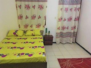 NOSCE TE IPSUM - Chambre privée avec douche privée- cuisine- wifi- salon